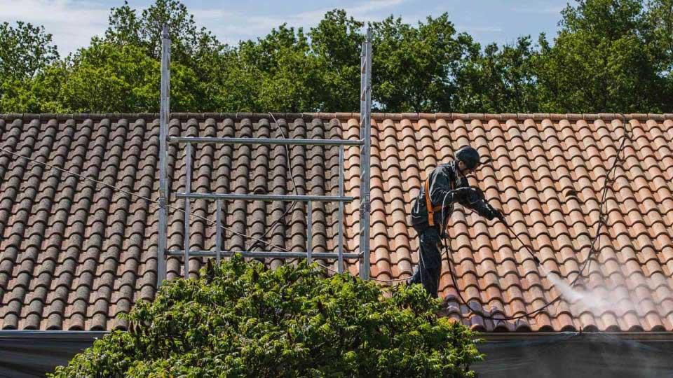 Les avantages de bien entretenir sa toiture.