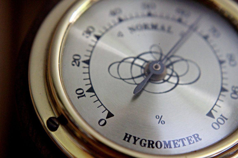 L'hygromètre : l'instrument essentiel pour optimiser les conditions de confort dans une maison.